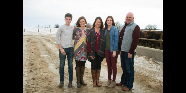 Brandi Pravecek (center) and family. (Courtesy of Ag United for South Dakota)