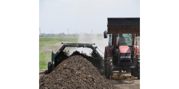 The school is an intensive program for new and experienced mid to large scale composting operators that will train participants in the science and art of composting. (Courtesy of University of Illinois Extension)