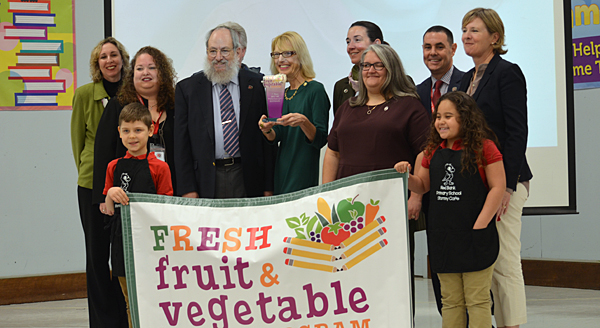 NJDA honors school for food program