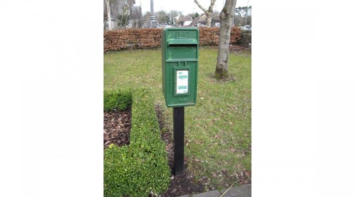 Mailbox closed to protect bird family