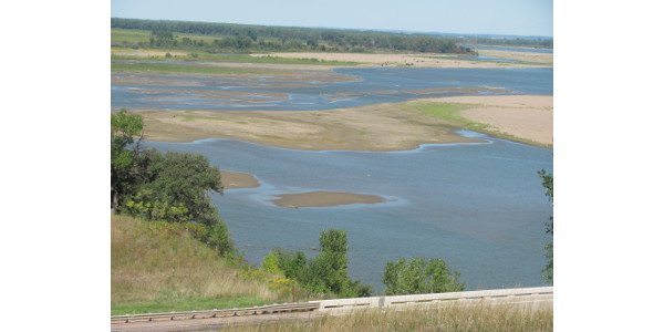 The Missouri River sand bars near the border of Nebraska, Iowa, and South Dakota. (Photo credit Ken Olson)
