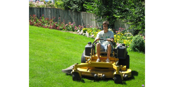 Raising the mowing height helps to keep turf more drought tolerant. (Courtesy of iGrow.org)