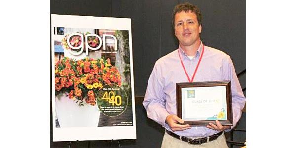 CNGA members receive awards
