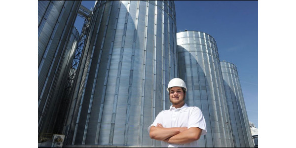 Nolan Brennan at Mennel Milling Company. (Courtesy of KSU Department of Grain Sciences and Industry)
