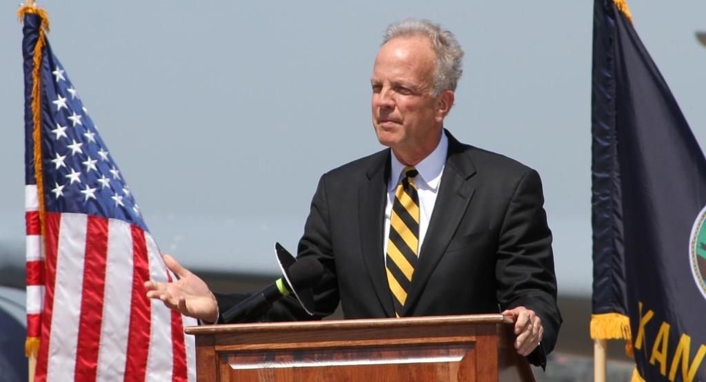 Senator sends open letter to farmers on NAFTA