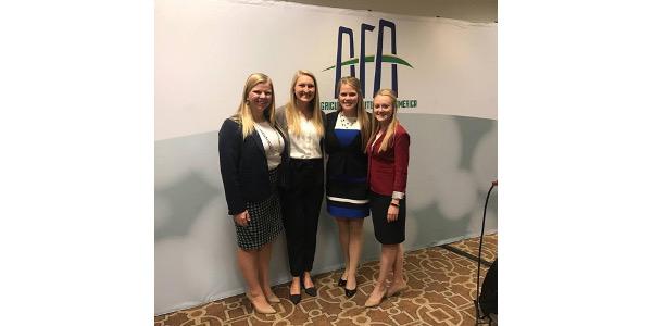 UW students gain leadership skills at conference