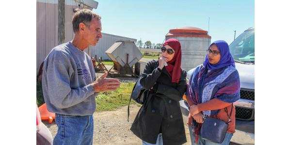 Program brings Egyptians for grain market training