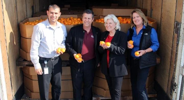 California Citrus Mutual donates fruit