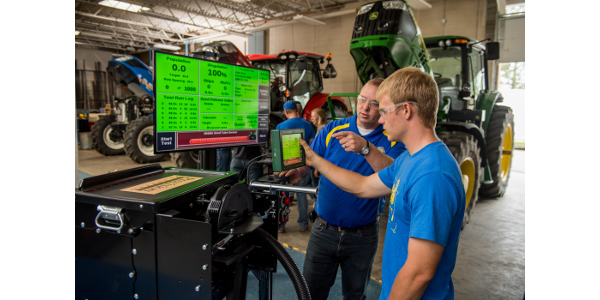 SDSU Precision Ag students in a lab class. (Courtesy of South Dakota State University College of Agriculture and Biological Sciences)