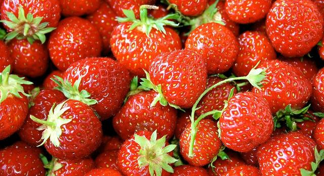 Growing raspberries and strawberries