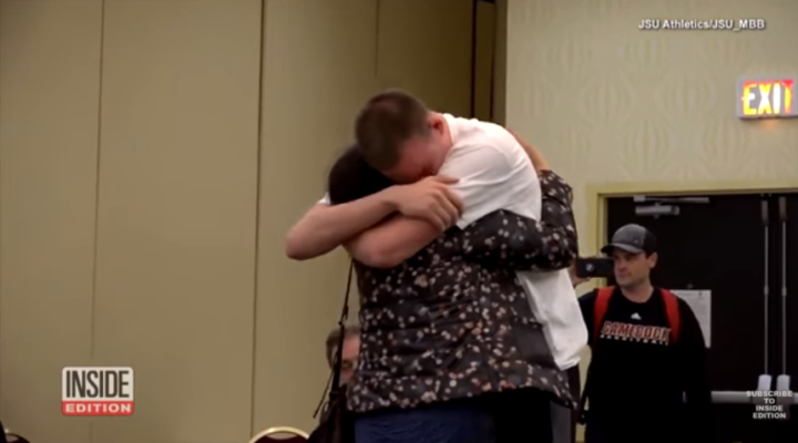 Coaches reunite basketball player with mom he hasn't seen in 5 years