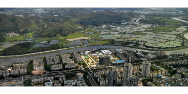 Researchers found that 19 of 29 large cities depend on evaporation from surrounding lands for more than one-third of their water supplies. Pictured here is Shenzhen, China. (Photo: Patrick W. Keys)