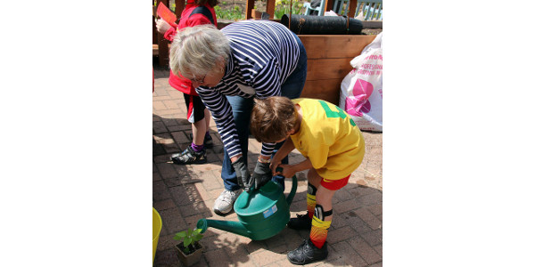 Whether your garden sprawls across an acre or fits into a pot on your balcony, you are invited to gather ideas at the UW Family Gardening Day on Saturday, May 5, on the University of Wisconsin–Madison campus. (Courtesy of UW-Extension)