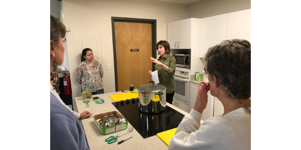 CSU Extension uses a multi-faceted approach to the challenge of providing up-to-date food preservation information to residents across the state via website materials, in-person classes, trained volunteers, and now, the Preserve Smart app. (Courtesy of CSU)