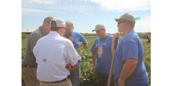 ISU experts help youth learn pest management