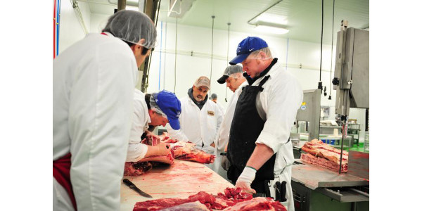 UK to offer meat cutting schools for beef and pork