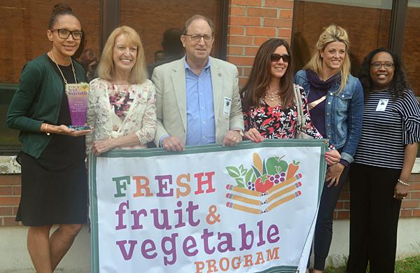NJDA honors schools for fruit, vegetable program