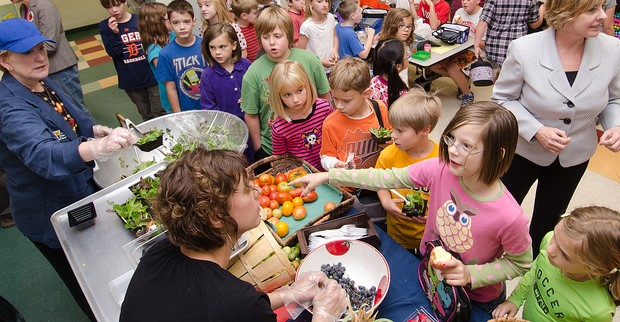 USDA supports local foods in schools