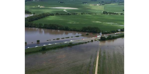 Ricketts surveys Northeast Nebraska flooding