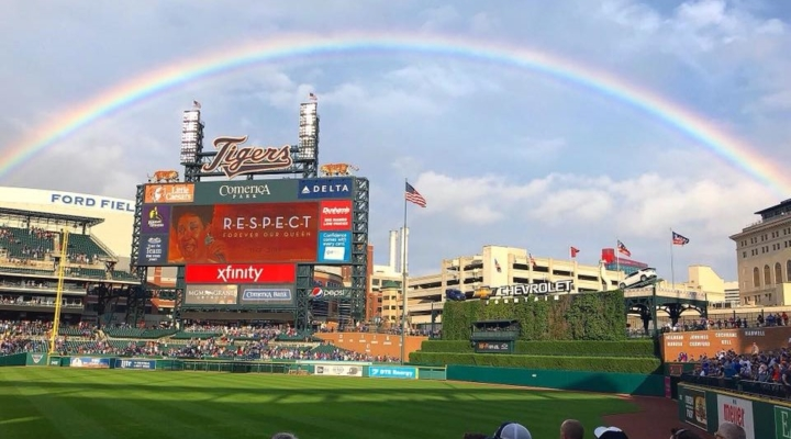 Rainbow appears over Aretha Franklin tribute in Detroit
