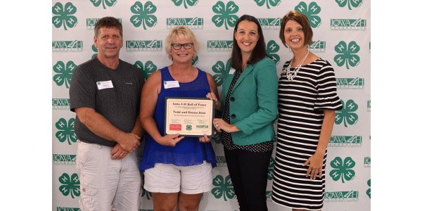 Todd and Donna Boss recognized by Iowa 4-H
