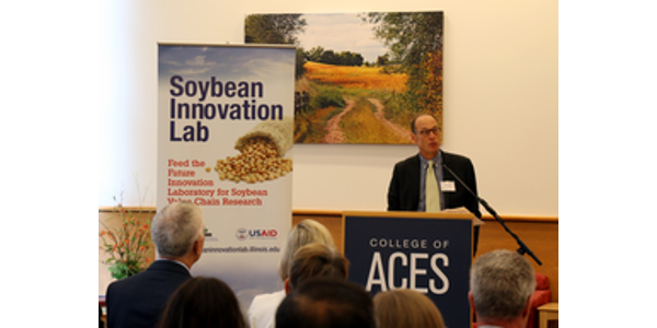 Peter Goldsmith, SIL director, discusses the partnership with USAID. (Courtesy of University of Illinois)