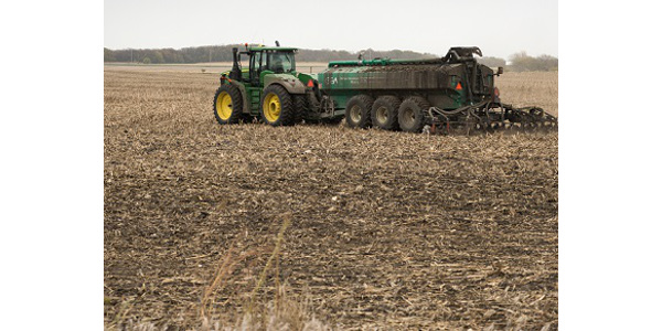 The projected favorable forecast the next nine days should provide an opportunity for manure application. (PHOTO by Rachel Kennedy, Iowa State University)