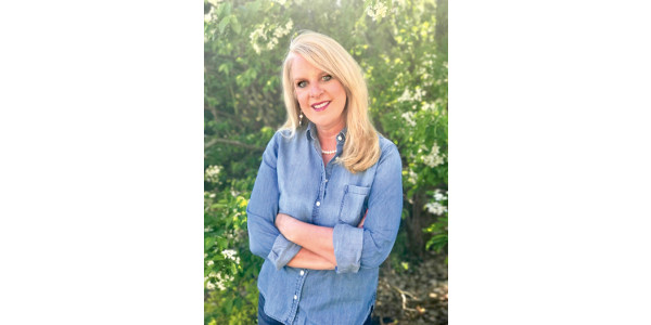 Suzanne Fanning is a senior level marketing communications executive whose innovative marketing has been featured in Advertising Age Magazine, Fast Company, Forbes Magazine and on the cover of PR Week. (Courtesy of Dairy Farmers ofWisconsin)