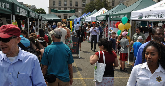 Farmers markets need support to collect more data