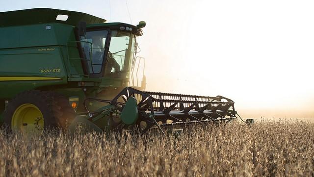 Judge orders settlement talks in soybean suit