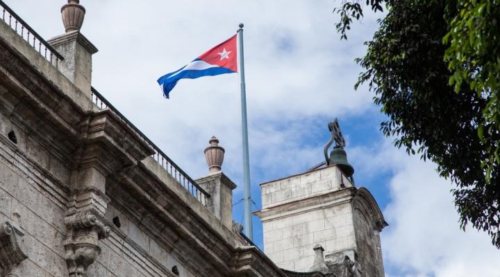 Legislation woud lift Cuba trade embargo