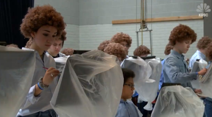 'Bob Ross Flash Mob' cheers up stressed students