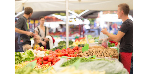 In cooperation with the Iowa Department of Agriculture and Land Stewardship, Iowa State University Extension and Outreach will host the Farmers Market Nutrition Program 2019 webinar training for new and returning farmers market vendors March 28 or April 11. (Photo by kasto/stock.adobe.com)
