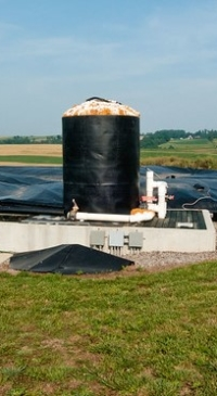 Manure & food scrap digester to make fuel for college