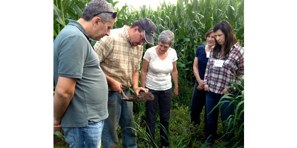 Training participants learn about soil science. (Courtesy of PDPW)