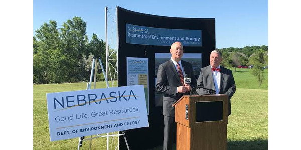 Gov. Ricketts and Director Jim Macy highlight newly formed Department of Environment and Energy. (Courtesy of Office of Governor Pete Ricketts)