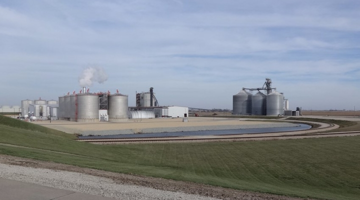 ethanol biofuel plant (chuck young, Flickr/Creative Commons)
