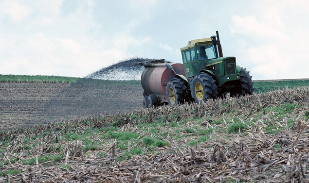 Trials show hope for handling manure