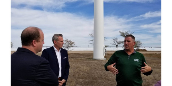 Governor Polis, Paul Dawson of United Wind and Erick Farmer of Heritage Dairy. (Courtesy of CLA)