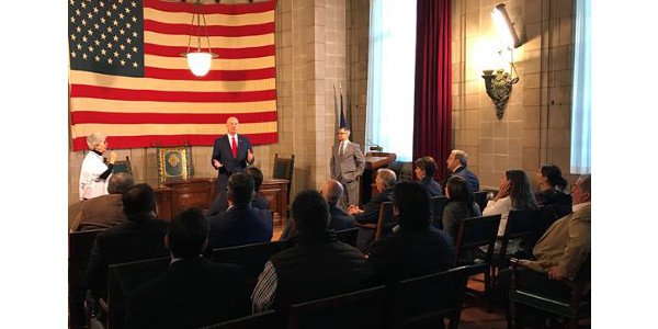 Gov. Ricketts talks about Nebraska ethanol during a meeting with leaders from Mexico. (Courtesy of Office of Governor Pete Ricketts)
