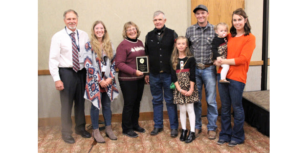 From left to right: Executive Secretary of the South Dakota Master Lamb Producers Association, Professor and SDSU Extension Sheep Specialist Dr. Jeff Held, Callie Kukuchka, Deb and Craig Kukuchka, Chase and Ashton Kukuchka with children Ellie and Cora. (Courtesy of SDSU Extension)
