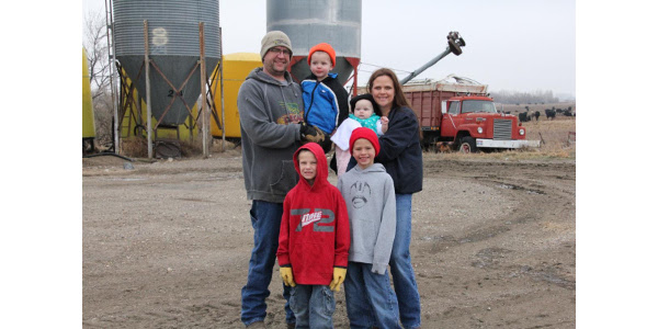Aberdeen cow/calf producers Jeff and Rachel Kippley are among many U.S. cattle producers asking Congressional leaders and to support U.S. cattle producers and make COOL a part of U.S. Mexico-Canada-Agreement. The Kippley's are pictured here in a 2014 photo with their children: Noah, Titus, Aaron and Moriah. (Courtesy photo)