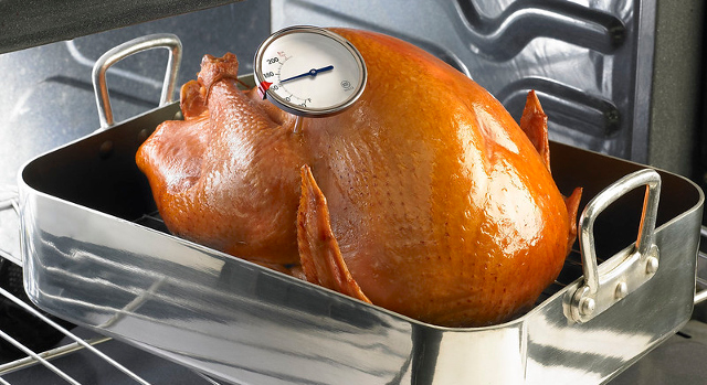 USDA shares advice for handling food safely this Thanksgiving